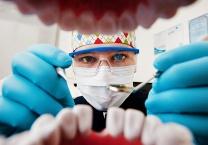 בגלל תקנה ישנה רבים מתושבי יהודה ושומרון לא מקבלים טיפולי שיניים