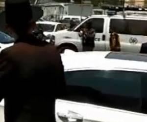 מול בית הדין הצבאי: בהפגנה למען העריקה: 'חרדק' על חייל • צפו