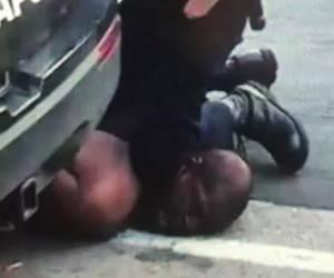 התמלילים נחשפים: השוטר שדרך על ג'ורג' פלויד: צריך חמצן כדי לדבר