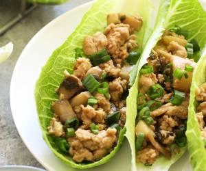 מה אוכלים היום?: מתכון לראפ עוף עם פטריות וערמונים בסגנון תאילנדי
