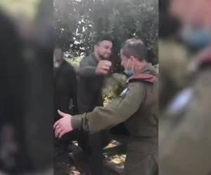 חיבוק מרגש: כשאלוף הפיקוד הפתיע את בנו החייל • צפו
