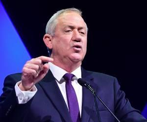 """החרדים זועמים: """"כשמתחילה לצוץ שחיתות על גנץ, הוא מסית נגד הרבנים"""""""