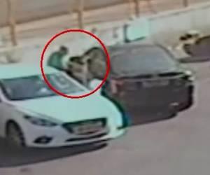 הפריצה תועדה: אישום: פרץ לרכב וגנב עשרות אלפי שקלים • צפו