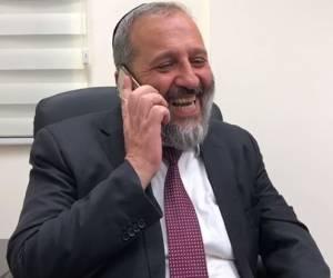 לאחר הניצחון: דרעי מאושר: צפו בשיחת הטלפון לידידו משה ליאון