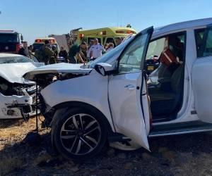 התנגשות חזיתית: אישה בת 38 נהרגה בתאונה; מספר חרדים נפצעו