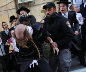 שבעה עצורים: הקיצונים ניסו לארגן הפגנה; השוטרים סיכלו