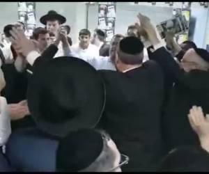 אחרי החלטת ה'מועצת': ליאון התקבל בריקודים במטה 'דגל התורה'