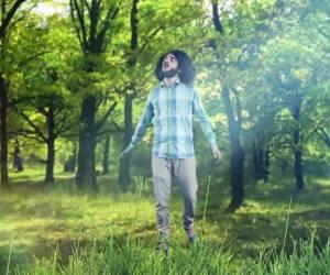 """לרחבת הריקודים: רועי  הרוש בקליפ טראנס חדש: """"הוא אבינו"""""""