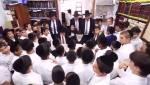 מחדרה לבני ברק: ילדי החיידר פצחו בשירה בחדרו של שר התורה • צפו