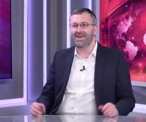 ראיון באולפן: מרתק: יצחק בוז'י הרצוג עם הספר על 'אור הישר'