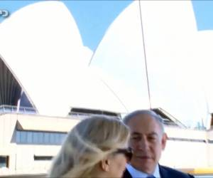 צפו בווידאו: הכותרות רודפות אחרי נתניהו גם לאוסטרליה הנרגשת מביקורו