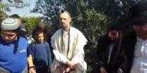 ניצוץ רבי נחמן משפחת עתיה עלתה לקברו של בנם נחמן