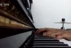 פסנתר לשבת ועינינו של ר שלמה קרליבך