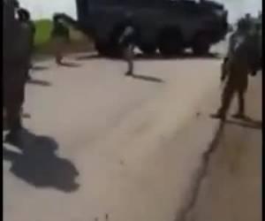 תיעוד מסוריה: הרוסים ניסו לעקוף את האמריקאים ונתקעו בבוץ