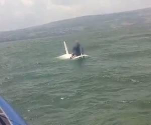 צפו בחילוץ: כנרת: שני שייטים נסחפו קילומטר מהחוף