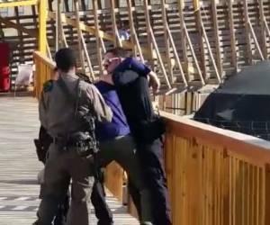 """צפו בסרטון: תיעוד """"תקיפת שוטרים"""" הוביל לביטול כתב אישום"""