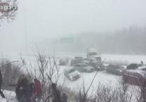 50 רכבים, בתאונת שרשרת, בתוך סופת שלגים. צפו