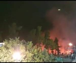 צפו: שריפה ביער מירון: להבות ענק בסמוך לציון