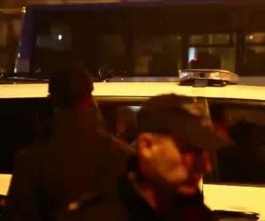 'השוטר לא הכריז'...: צפו: הפגנה אלימה ב'כיכר השבת' בירושלים