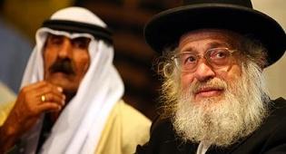 """הרב שוורץ במפגש עם הבדואים. צילום: פלאש 90 - הבדואים ל""""סנהדרין"""": אנחנו יהודים"""