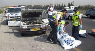 """התאונה. צילום: מוטי בוקצין, דובר זק""""א - מתנדב זק""""א: """"הנהג היה ללא אפוד"""""""