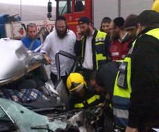 """זירת התאונה, הבוקר (צילום: רובי ראובן, זק""""א)"""