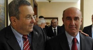 חיבוק חם. ברק והשגריר (צילום: פלאש 90)