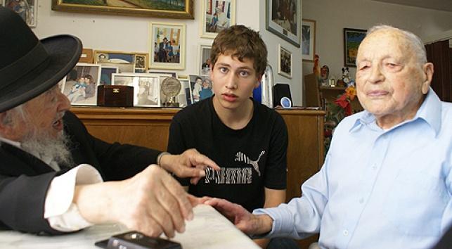 ארצי, אבנר נתניהו והרב גלינסקי (צילום: שעה טובה)