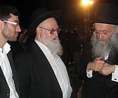 הרב אפרתי אמש בקבר יוסף. באדיבות: kahane.022.co