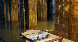 מערת הקשתות. מתוך אתר עיריית רמלה - שיט סירות קסום בלב מערה