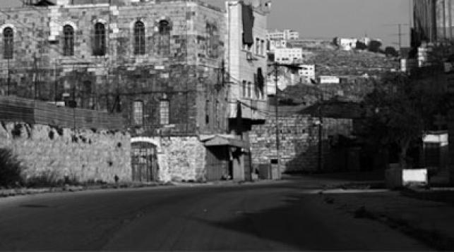 הרחובות השוממים בבוקר יום הטבח. צילום: פלאש 90