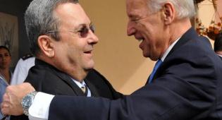 """ביידן מחבק את אהוד ברק (צילום: פלאש 90) - סגן נשיא ארה""""ב על המשט: """"ביג דיל"""""""