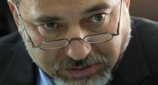 """ליברמן (צילום: פלאש 90) - משבר קואליציוני? ליברמן: """"לא פורש"""""""