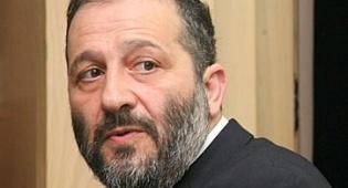 אריה דרעי חוזר: נפגש עם שגריר מצרים