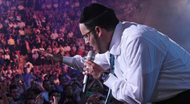(צילומים: ישראל ברדוגו) - יעקב שוואקי ענק, אבל איפה הכריזמה?