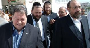בן אליעזר בסיור עם מנהלי המרכז וראש העיר - בן אליעזר נפעם – 100% השמה