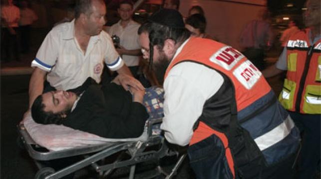 חרדי שנפצע בהפגנות האם בירושלים. צילום: פלאש 90