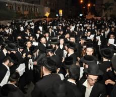 בני-ברק זעקה נגד חילולי הקברים