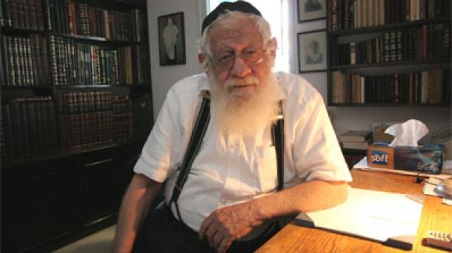 הרב יצחק (איקא) ישראלי. צילום: עזרא לנדא. בקהילה