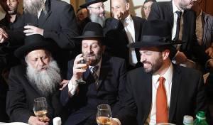 מגזרים ומפלגות התאחדו בחתונה: צפו