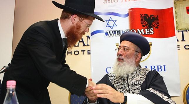 הרב עמאר עם הרב החדש יואל קפלן (צ': מאיר אלפסי)