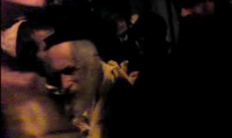 דרמה לילית: הרב ברלנד מגיע לביתו