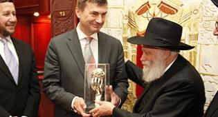 ראש הממשלה עם הרב גרליק