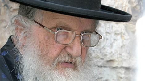 """ראב""""ד העדה החרדית (צילום: כיכר השבת) - ה""""סיקריקים"""" נגד ראב""""ד העדה החרדית"""