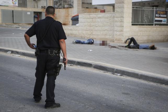 """המחבלים בבי""""ש: פעיל חמאס ואסיר לשעבר"""