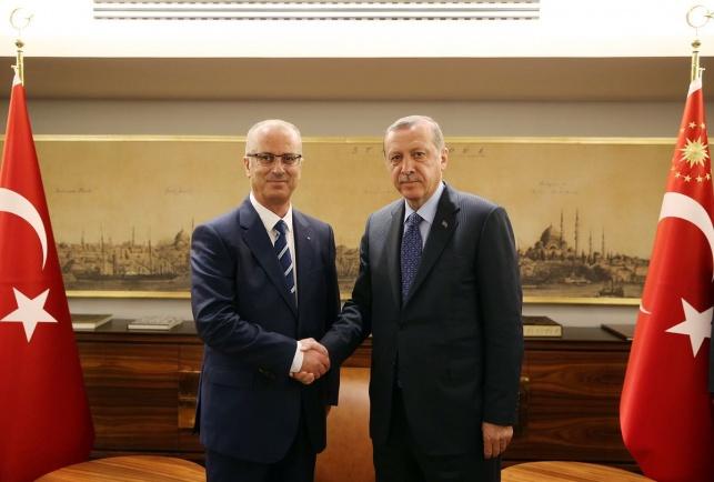 ארדואן וחמדאללה בפגישה באיסטנבול