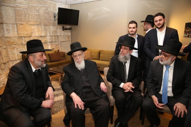 """הגר""""ש כהן, הרב יעקב כהן, דרעי ואייל משיח ב'טרקלין'"""