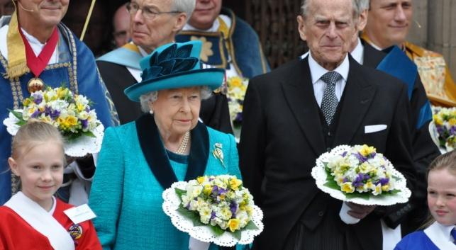 הנסיך פיליפ מוותר על סמכויותיו בגיל 95