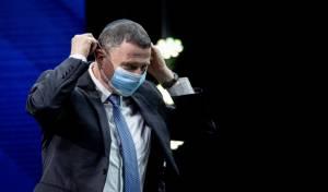 שר הבריאות תוקף: 'גנץ יחזיר אותנו אחורה'