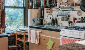 אחד הפריטים המזוהמים ביותר במטבח: המגבת